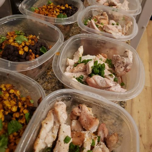 for clients who request them i make custom meals that help them reqch their goals