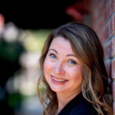 Avatar for Darlene Hawley Branding & Online Business Coach