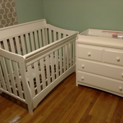Convertible crib and dresser with changer