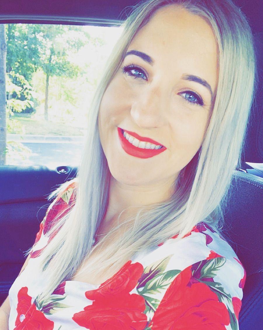 Myranda Morgan, Writer | Bartender