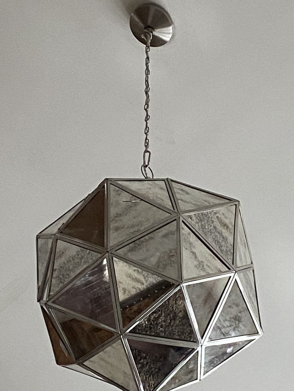 Chandelier-light hanging