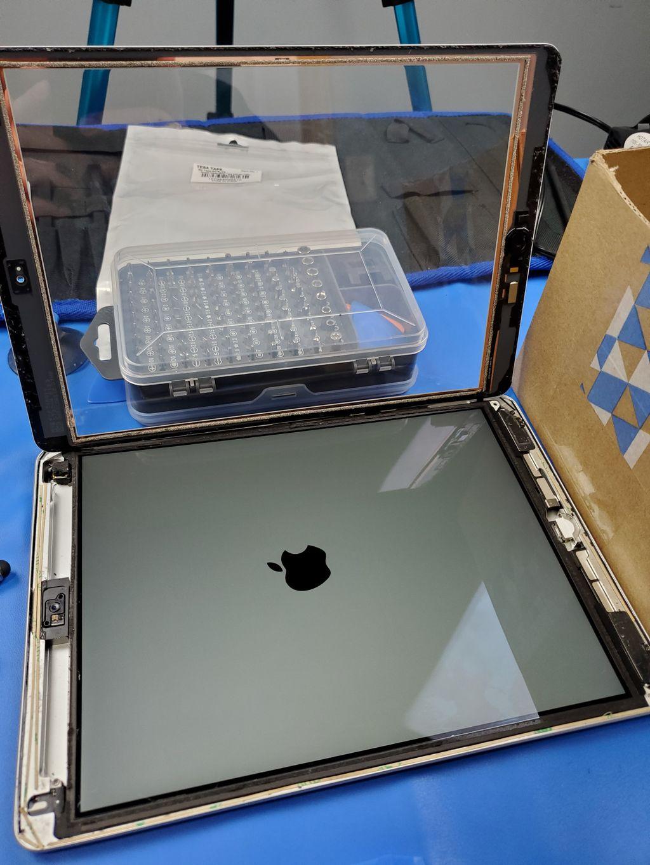iPad 7 Digitizer Repair