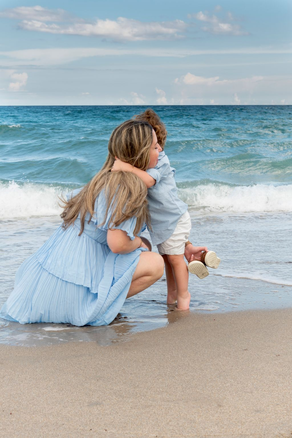 Outdoor Beach Family Photo Session