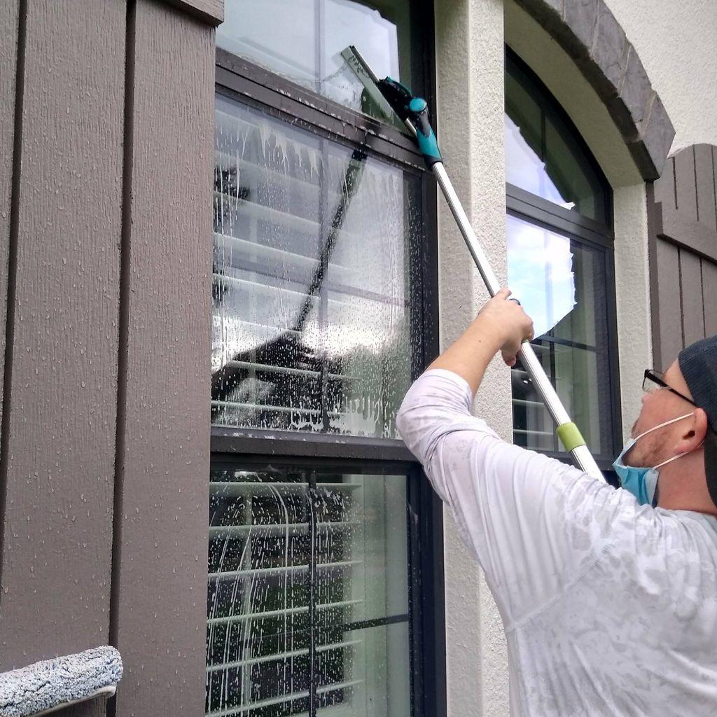 Queen Window Services LLC