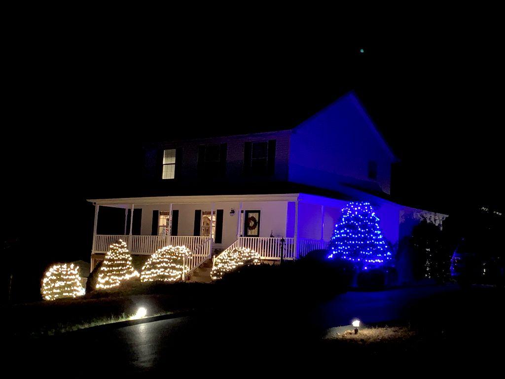 Simple Holiday Lighting