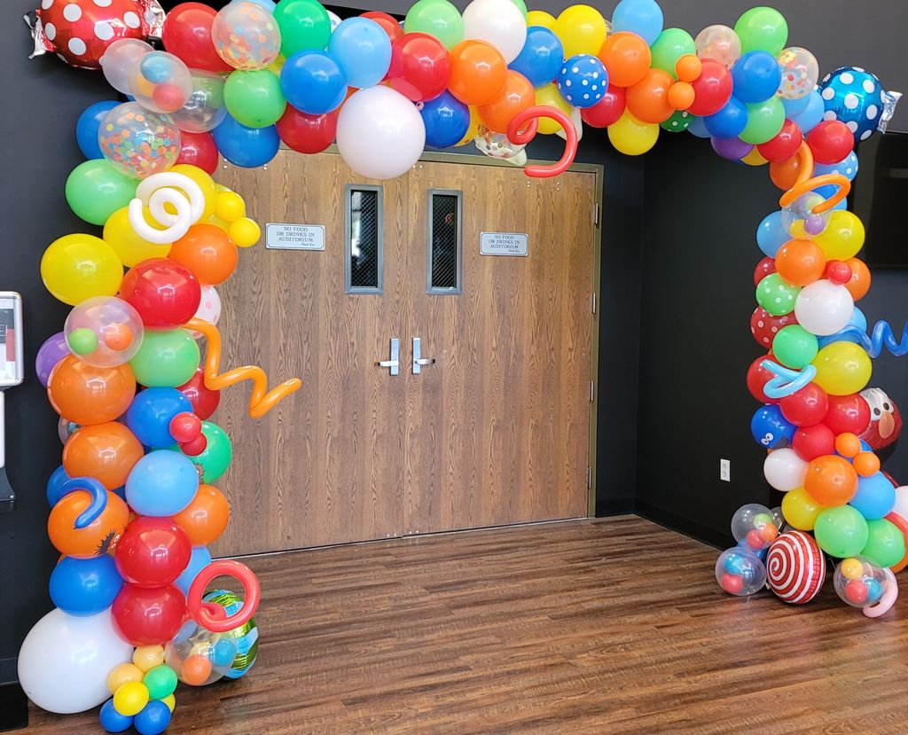 Deluxe Balloon Garland