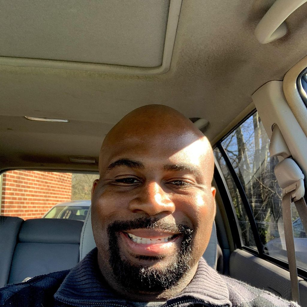 Reggie's Pick up & Moving Company
