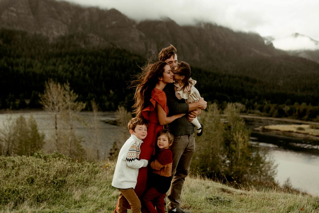 Beautiful Family Session in the Gorge