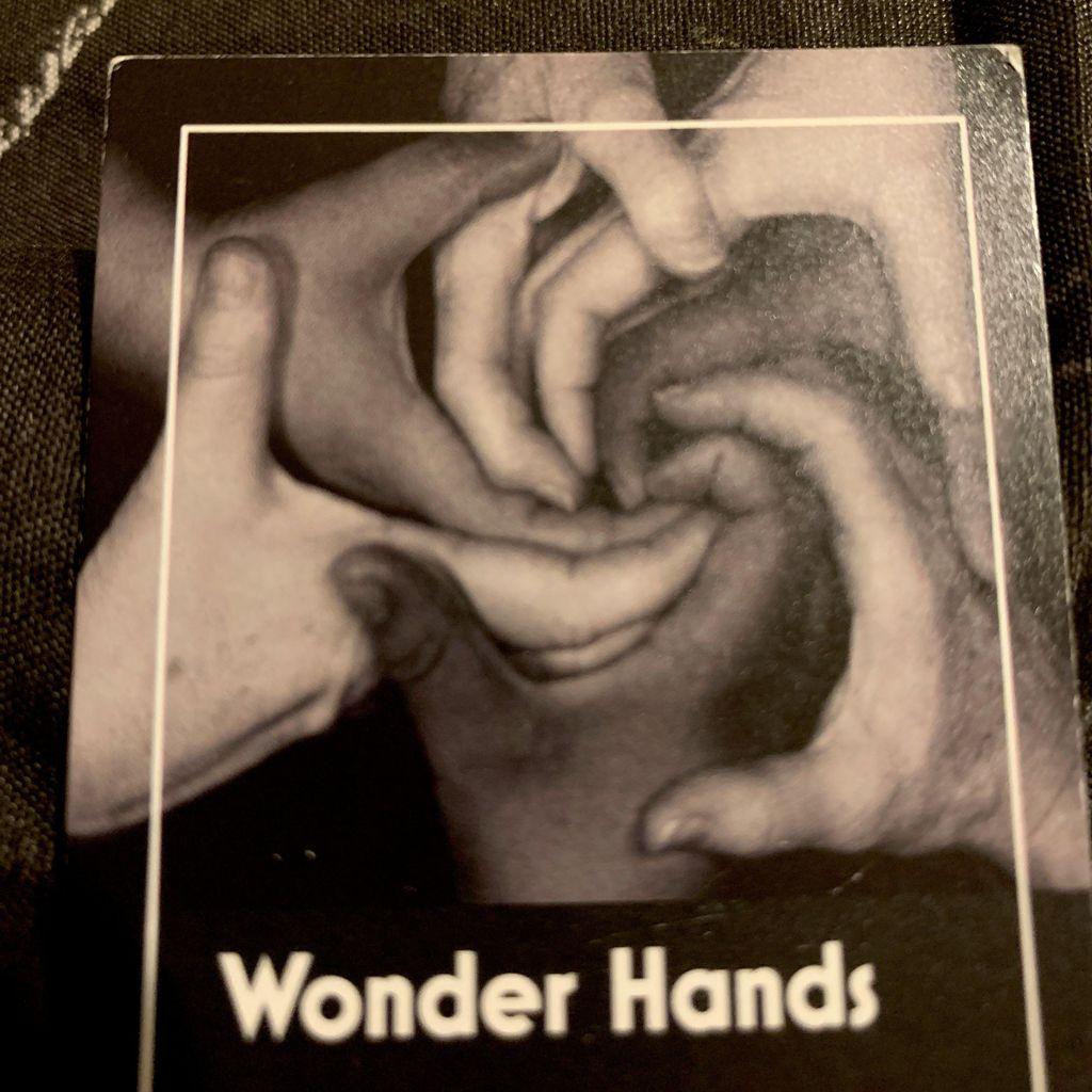 Wonder hands