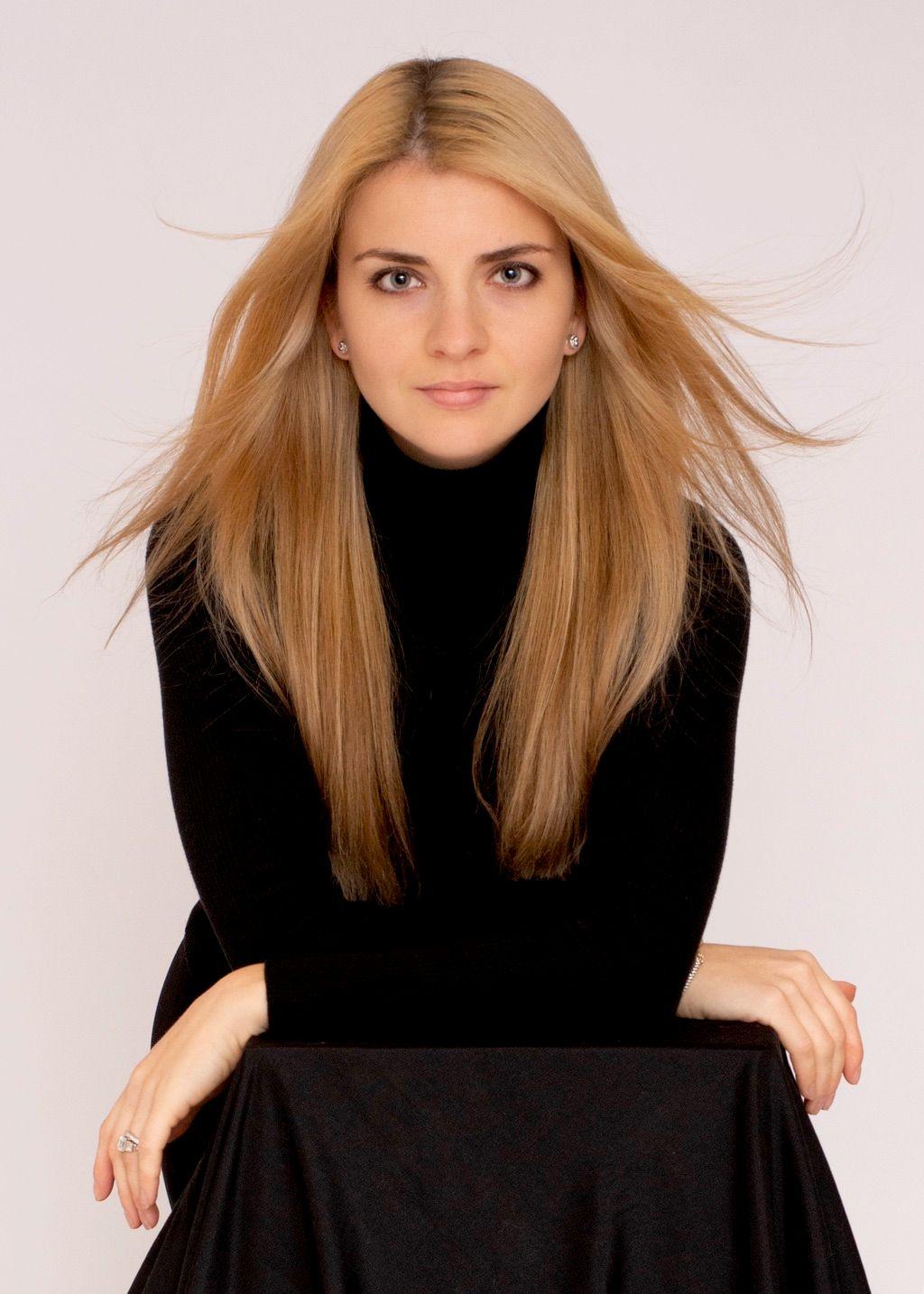 Marta Muryn Portrait LLC