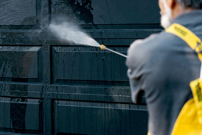 pressure washing garage door