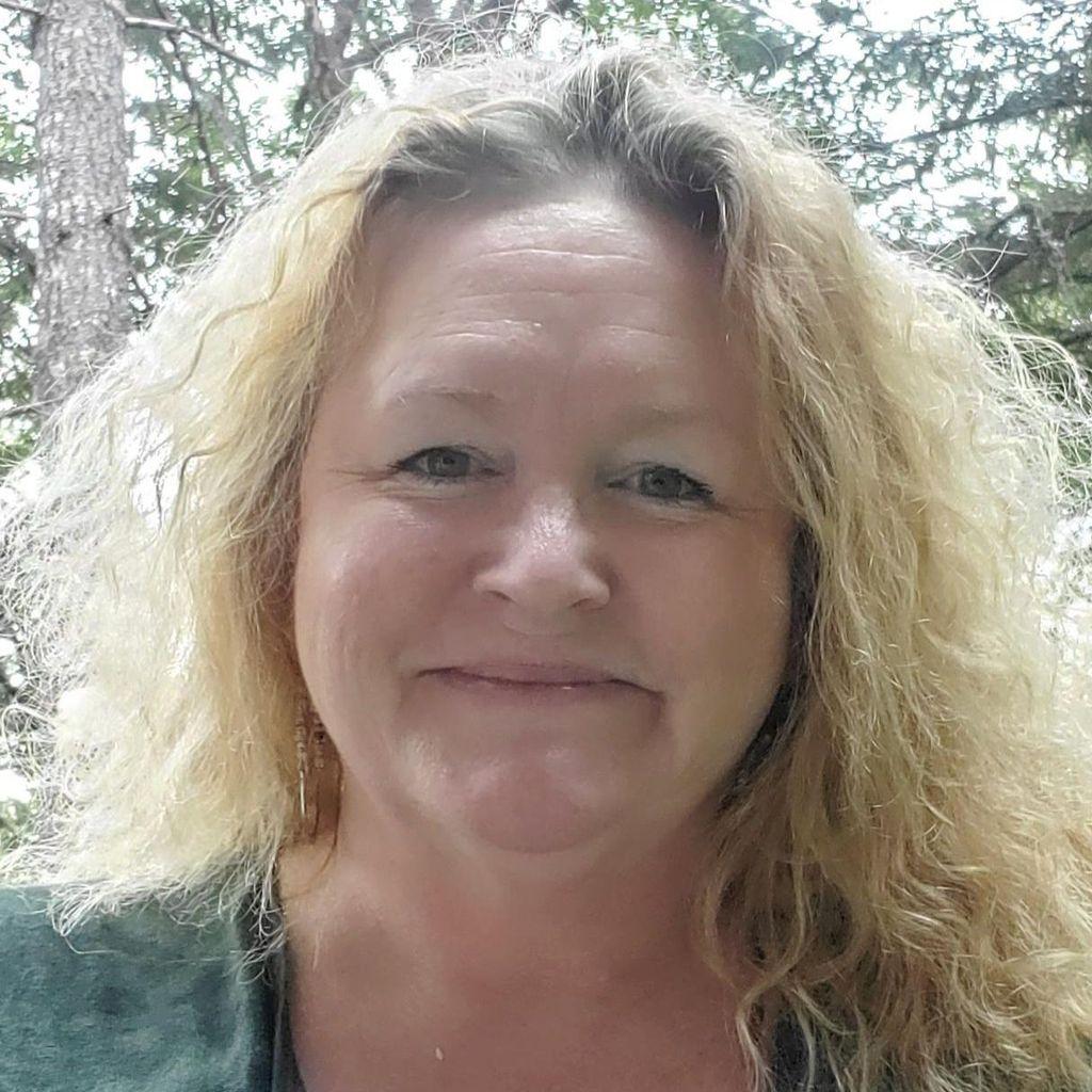 Shannon Granigan- Demuth Wedding Officiant