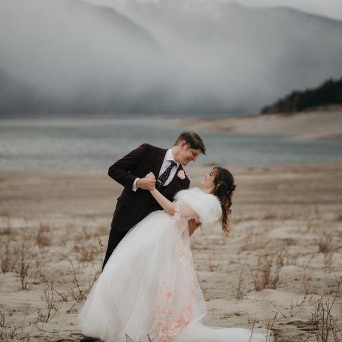 Adventure elopement near Seattle, WA