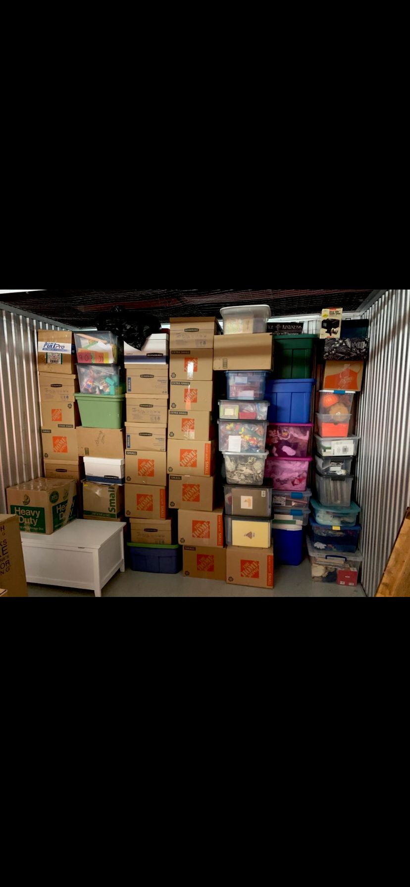 Unloading and packing storage