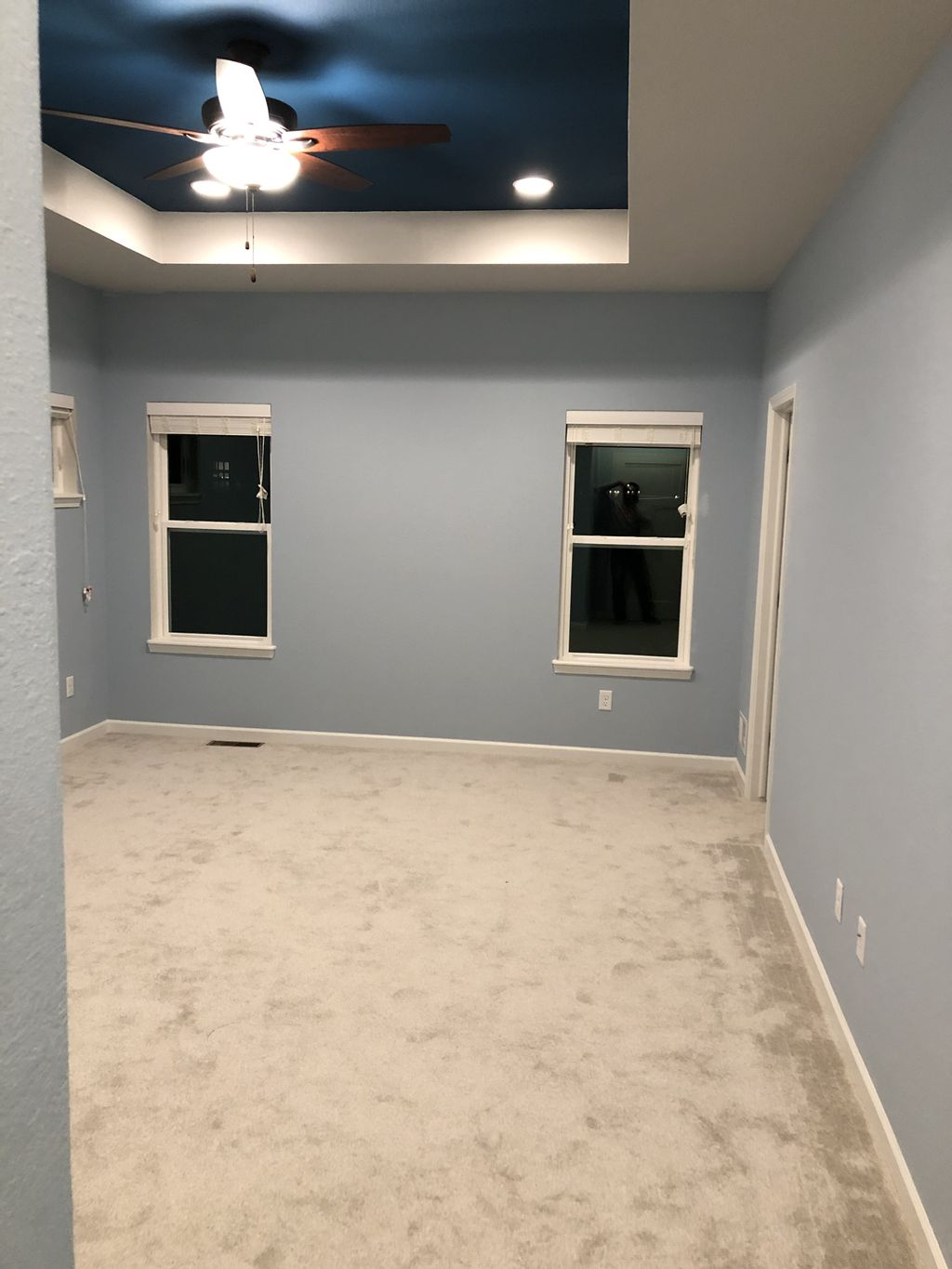New construction, three rooms and two tray ceilings