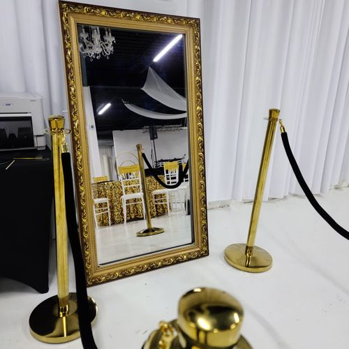 Gold-Framed add-on for a Royal Gold theme