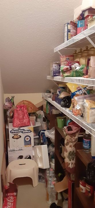 Extensive Decluttering and prepping for sale