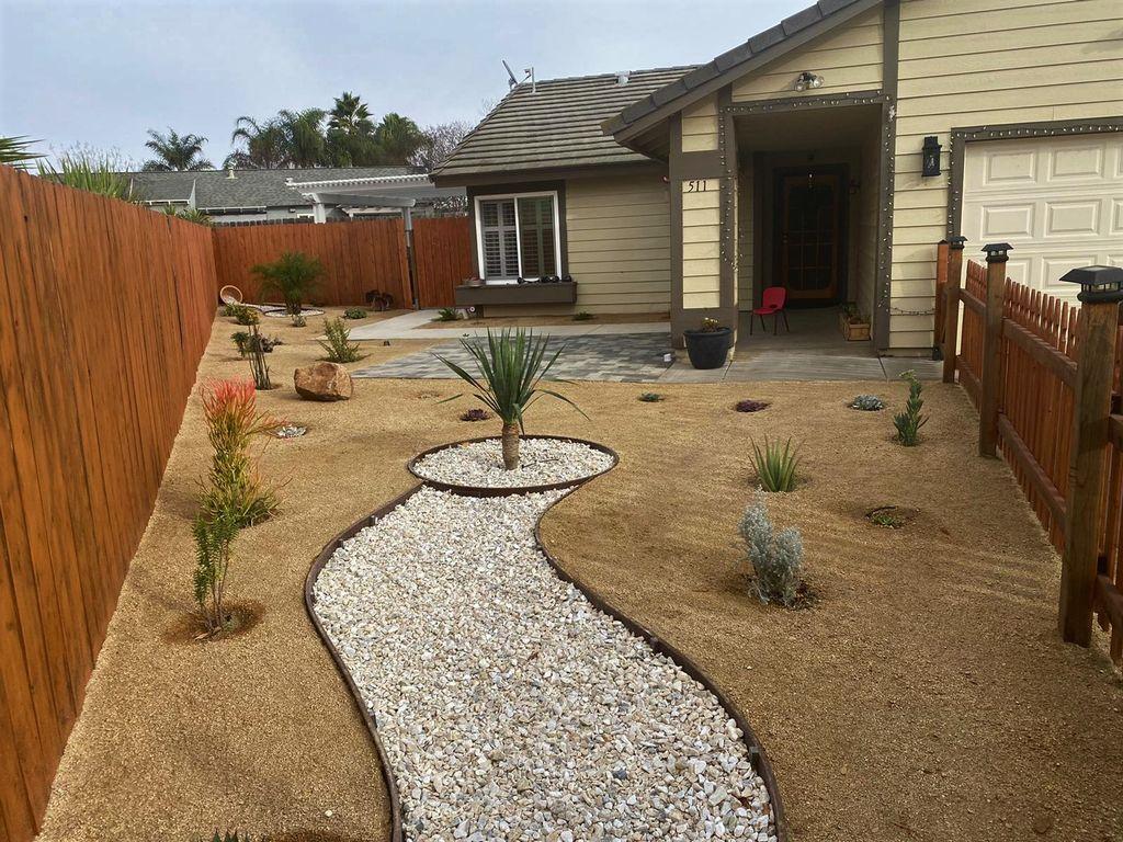 Desert theme Frontyard Landscape