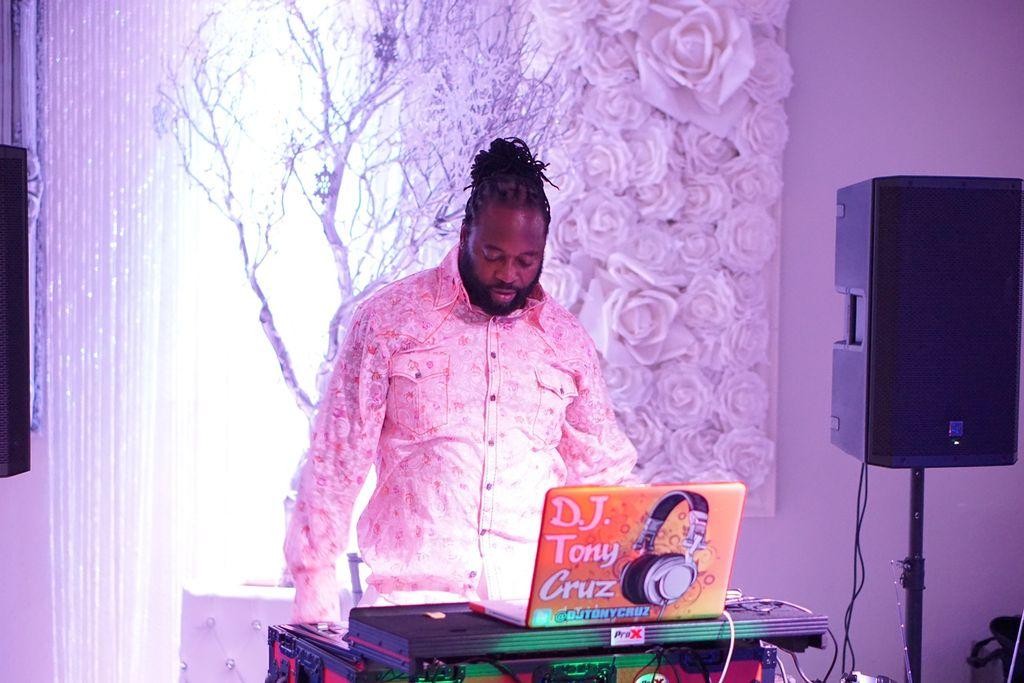 DJ TONY CRUZ