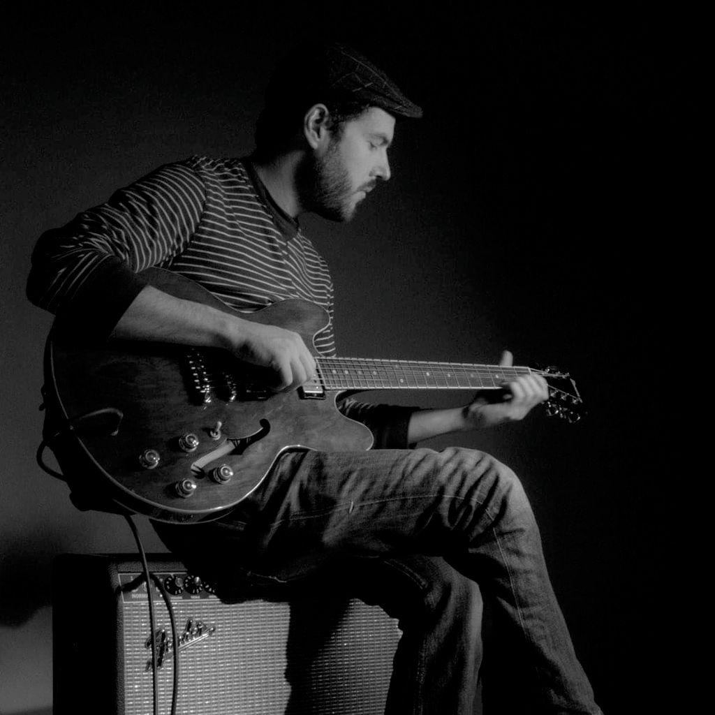 Charlie Painter (Trio and virtual guitar teacher)