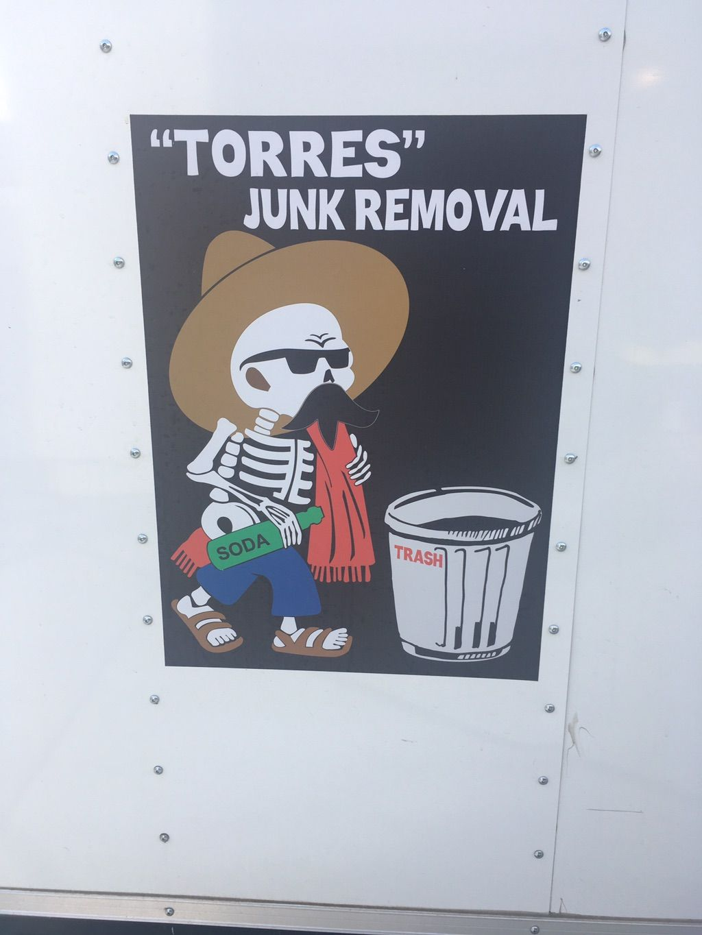"""""""Torres """"' Junk removal and Hauling"""