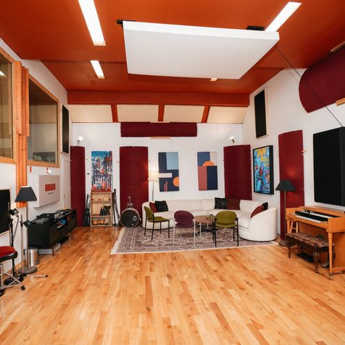Live room. Acoustically treated for great sound. Lounge area in the studio. Space for a large band.