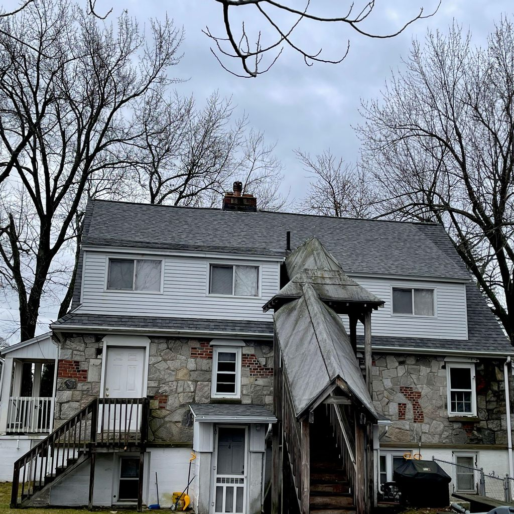 Paramount Roofing & Remodeling LLC