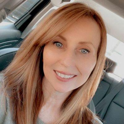 Avatar for Rebecca Hollowell Professional Organizing