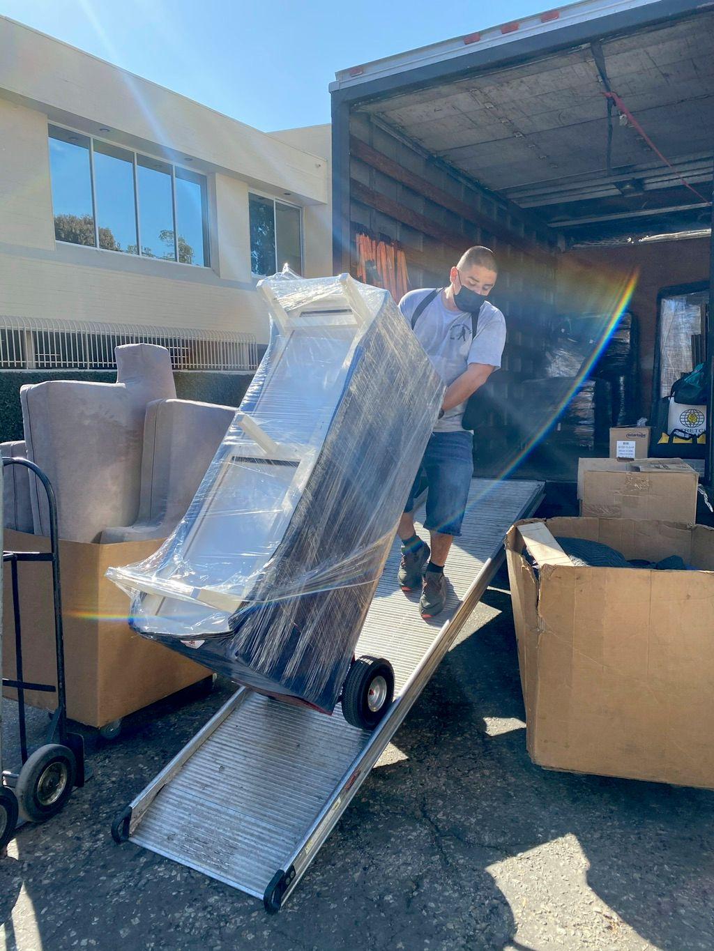 AB Moving & Storage CO