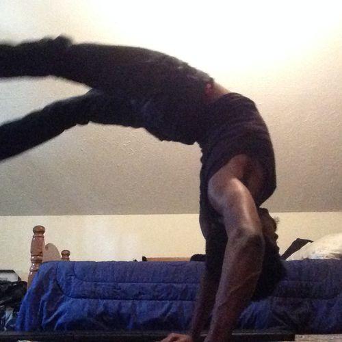 Hollowback Handstand home practice