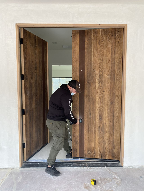 Fresh Installation Door pullbar