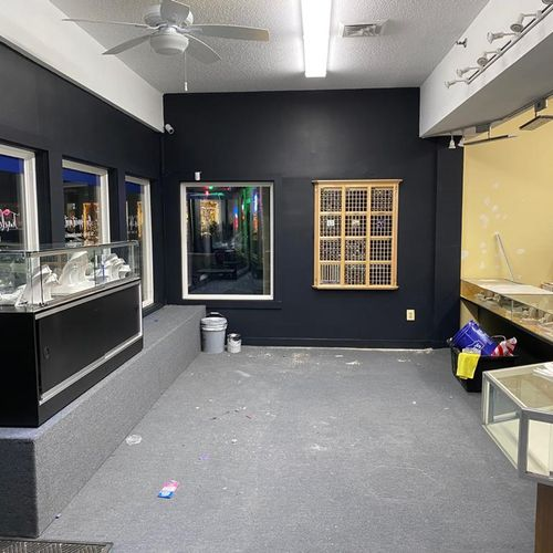Jewelry store Matte black after_2