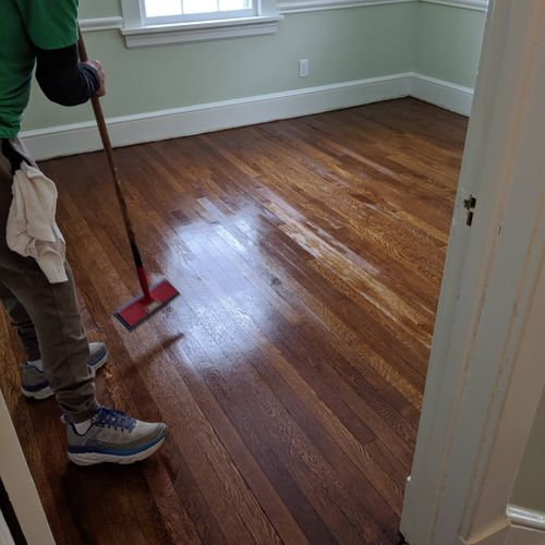 tom staining the red oak
