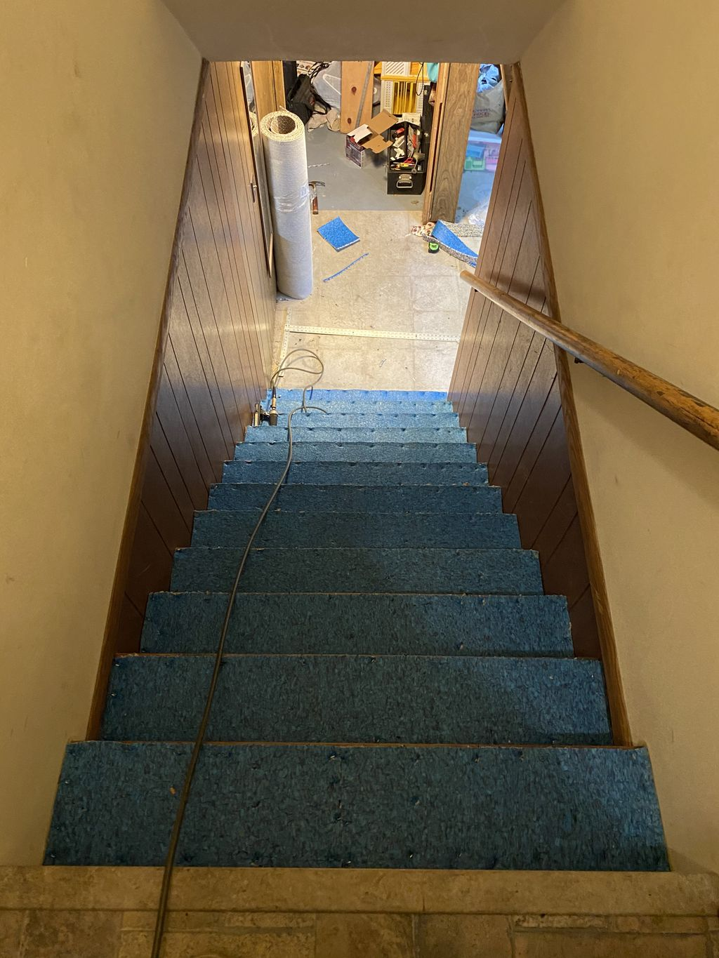 Install carpet on a set of stairs