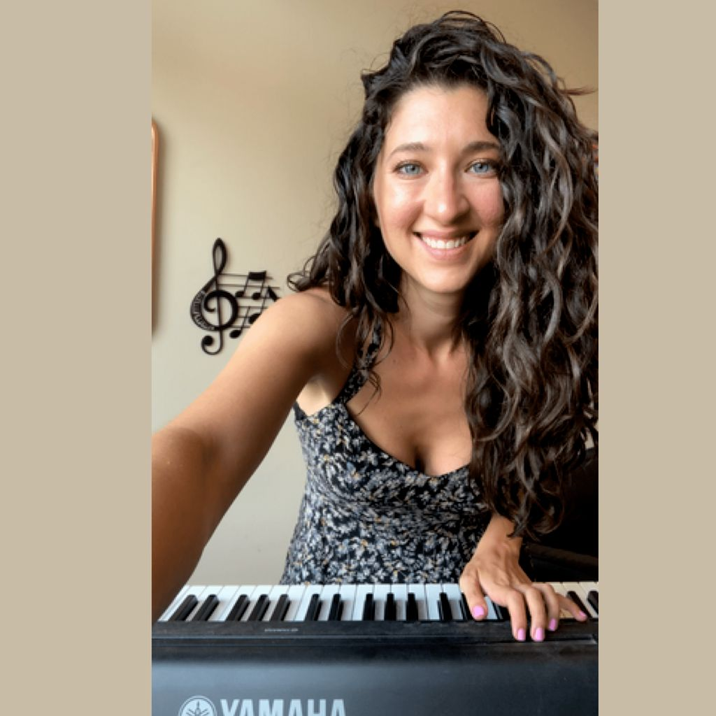 Piano Lessons with Kathy at New Groove