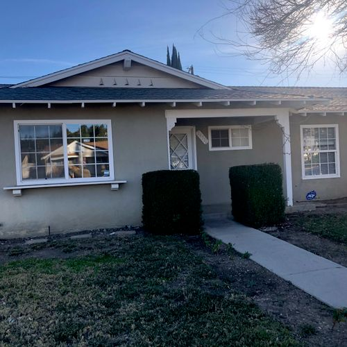 Single Family House in West Hills