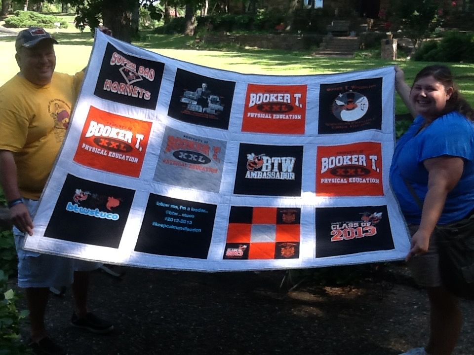 Traditional T-shirt Quilt Layout
