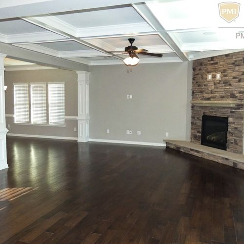 Open Floorplans, Hardwood floors.