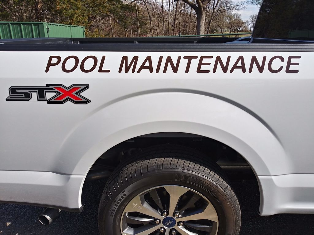 M&G  pool  Services