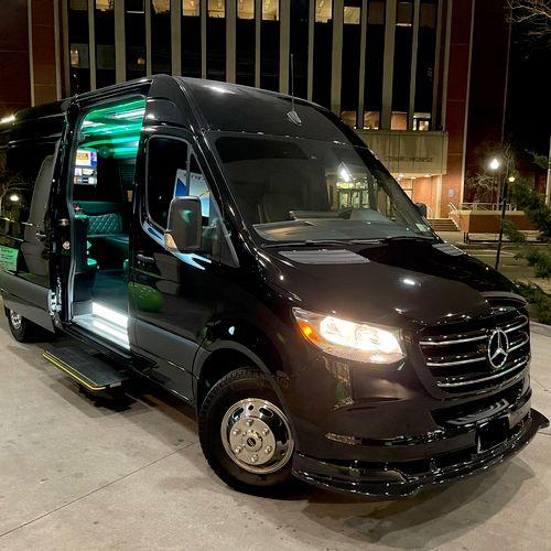 Mercedes Sprinter party bus 2021 - 14 passengers