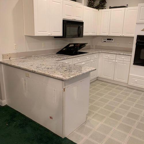 White Ice; Level 2 Granite