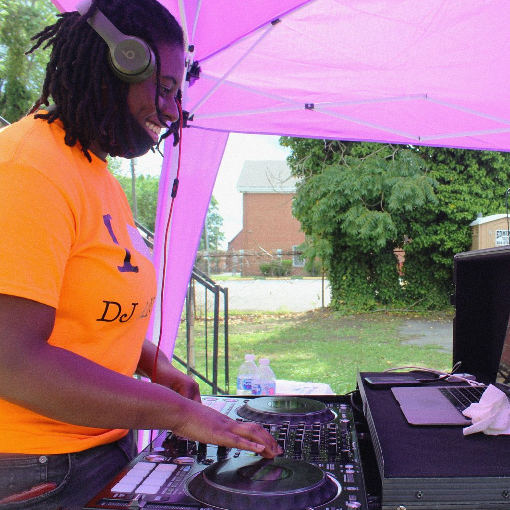 DJ Anelz