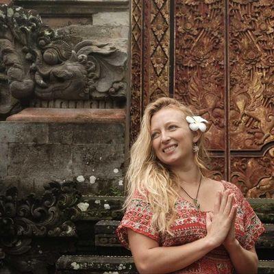Avatar for Yoga with Melanie