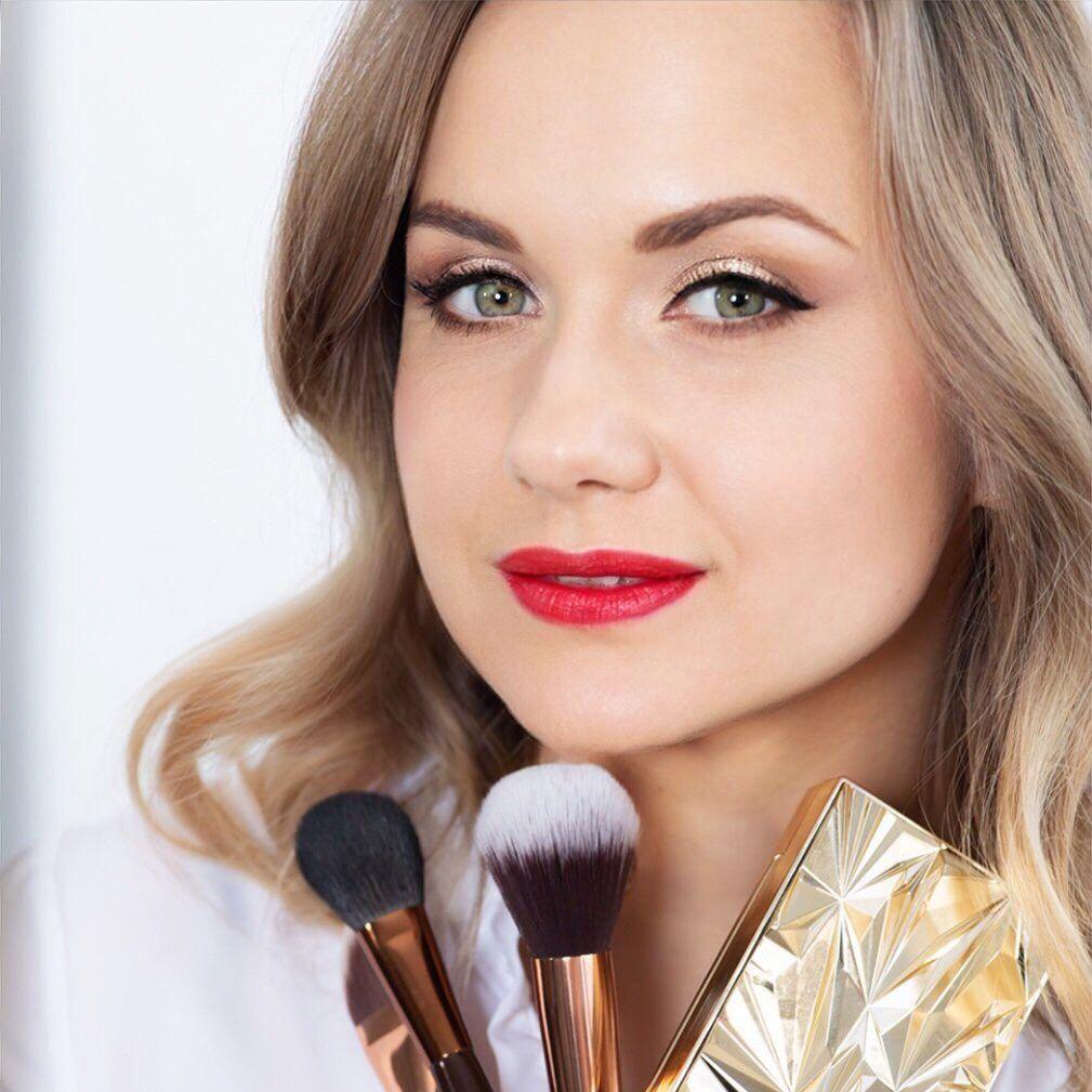 Julia Porras Makeup