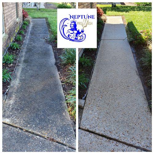 Sidewalk pressure washing in Willowdale neighborhood of Luling Louisiana 70070