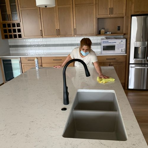 use only granite cleaner to clean all granite surfaces