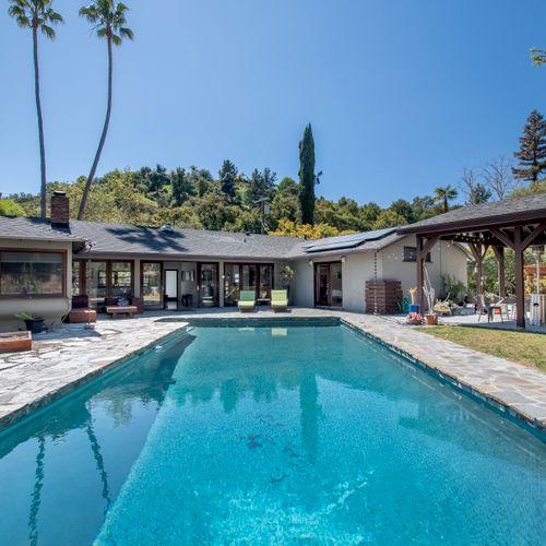 Pool House in Encino