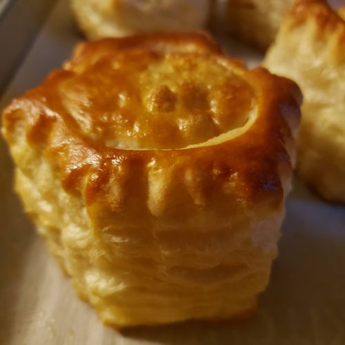 Puff pastry shell.