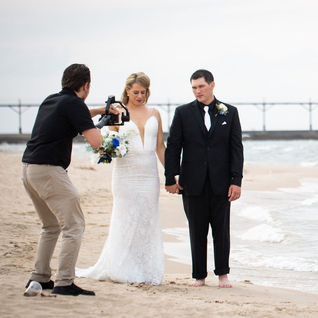 Munaco Pictures (Wedding Videography)