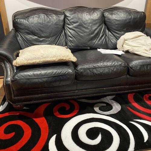 Listen/Lounge Area